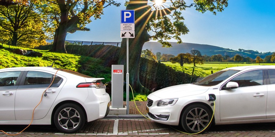 Elektrycznie i wodorowo – to recepta dla motoryzacji?