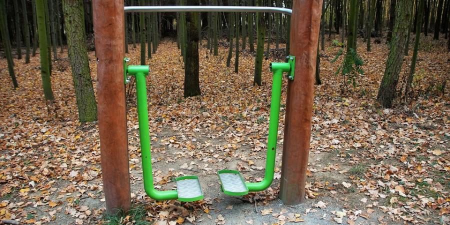 Jesienią nie rezygnuj z siłowni plenerowej