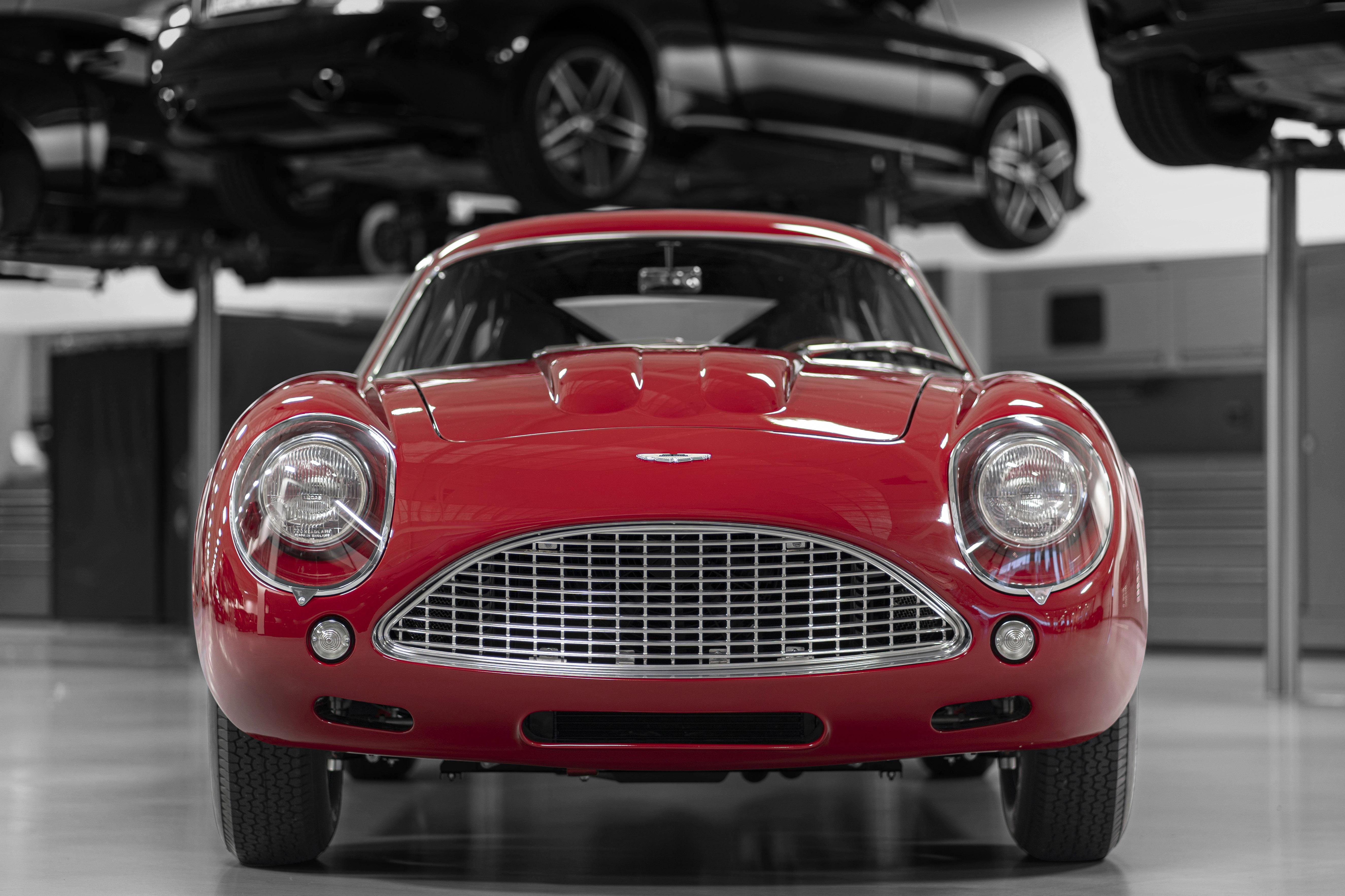 Aston Martin DB4 GT Zagato Continuation (12)