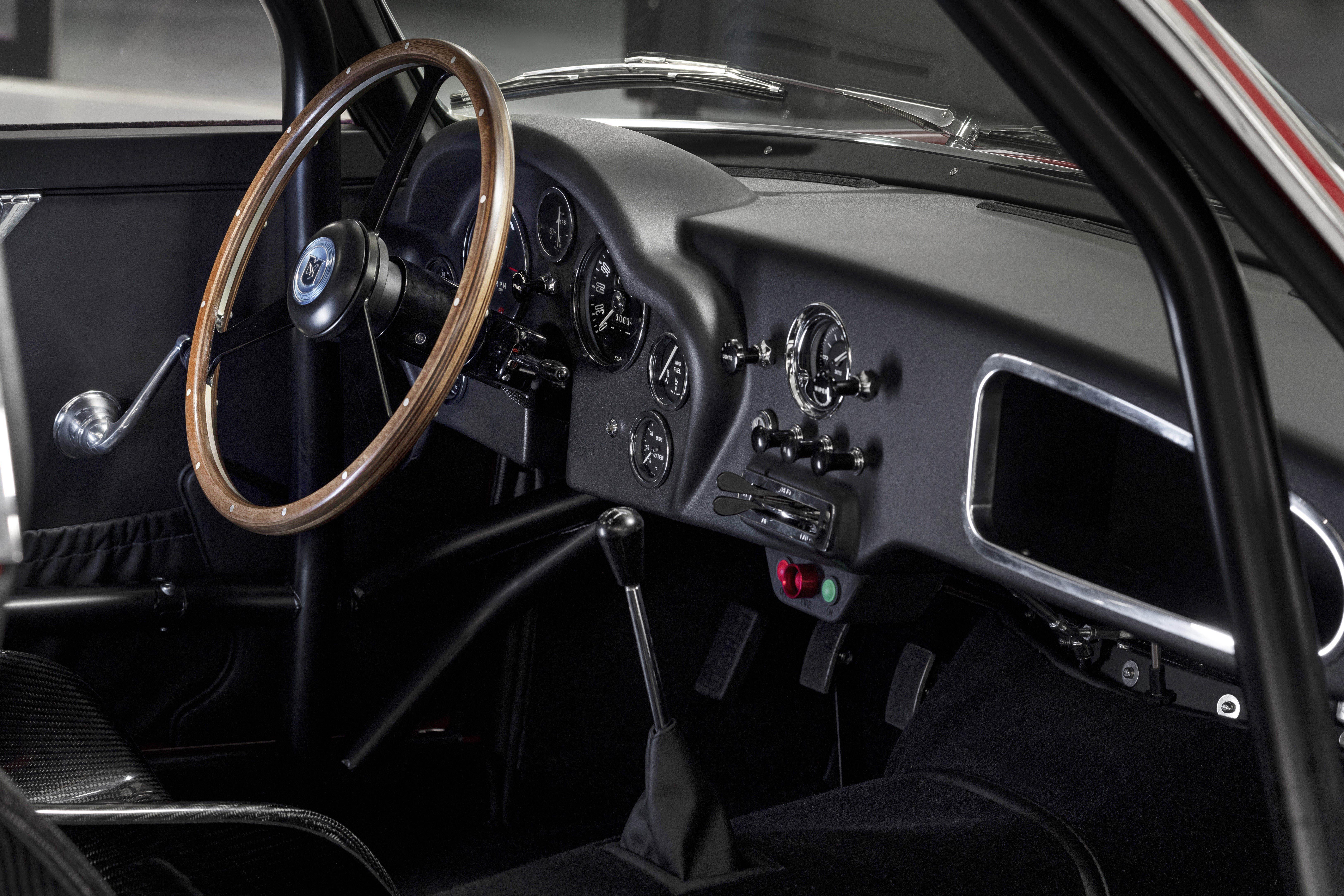 Aston Martin DB4 GT Zagato Continuation (8)