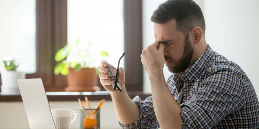 Migrena w pracy – czy pracodawcy są świadomi problemu?