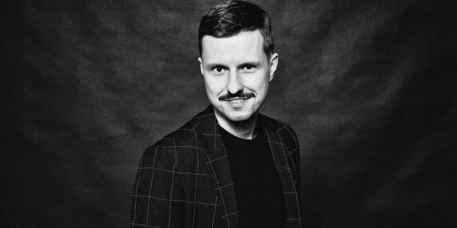 Krystian Lada: Opera na bieżąco z rzeczywistością