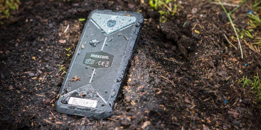 Wzmocniony smartfon – z czym to się je?